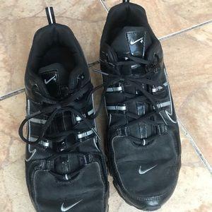 Men's black Nike Shox